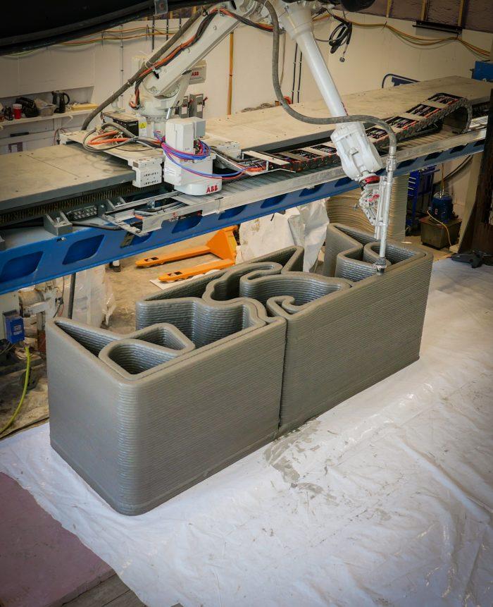 TAM - Bunny Table